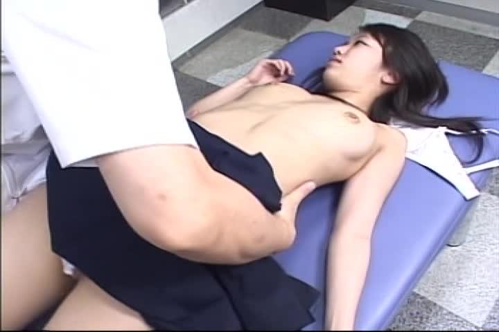 【盗撮動画】本当にあったJKに前代未聞の性感マ...